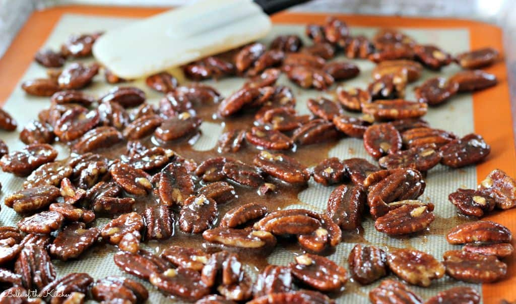Belle of the Kitchen | Cinnamon & Sugar Roasted Pecans