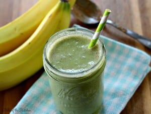 Belle of the Kitchen | Almond Buttercup Green Smoothie