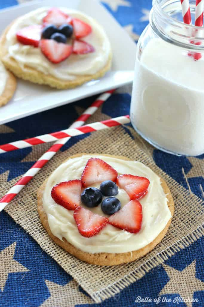 Belle of the Kitchen | Mini Fruit Pizzas