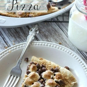 This S'mores Pizzas uses Fleischmann's yeast for a fun twist on a campfire treat. With an easy, homemade dough and classic s'mores toppings, this will definitely be a new family favorite!