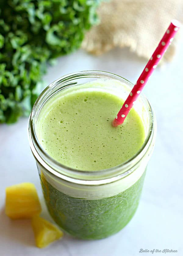 Start your day off right with this Pineapple Kale Smoothie! It's packed with tropical flavor and fresh greens to give you a healthy and refreshing boost to your morning.