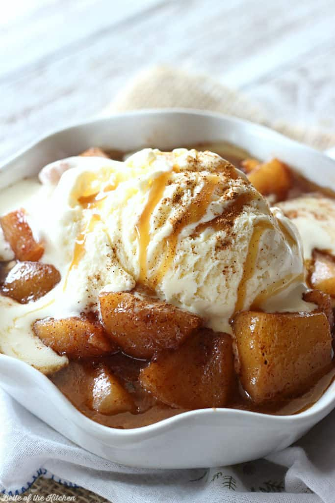 These Easy Baked Apples are the perfect fall treat! Top them off with a scoop of vanilla ice cream and a drizzle of caramel for a truly heavenly dessert!
