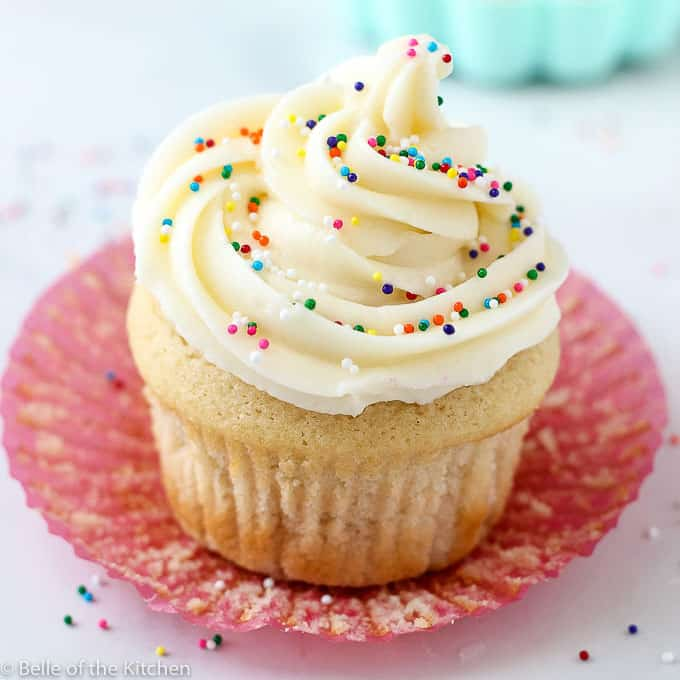 The Best Vanilla Buttercream Frosting Belle Of The Kitchen